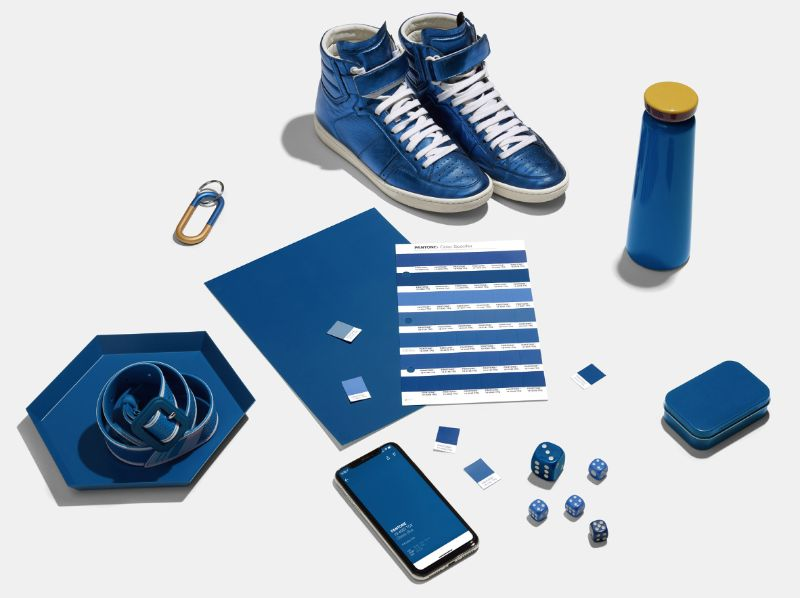 Pantone-Color-Of-The-Year-2020-The-Instilling-Calm-Classic-Blue-6